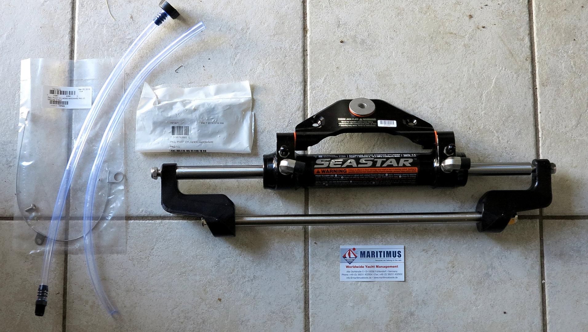 SeaStar HC5345-3 Steering Cylinder